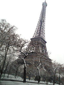 eifel-tower-snow1